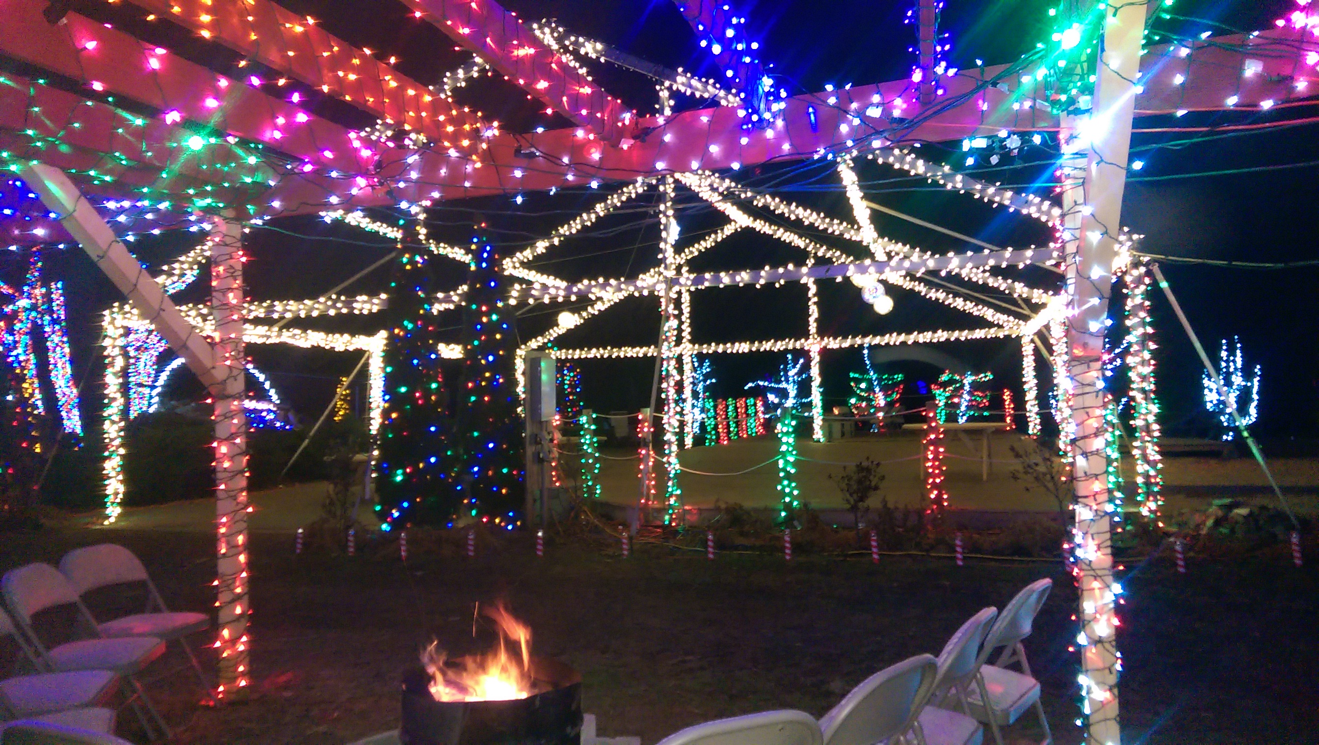 december 3 2015 600 pm 900 pm thanksgiving day christmas light show